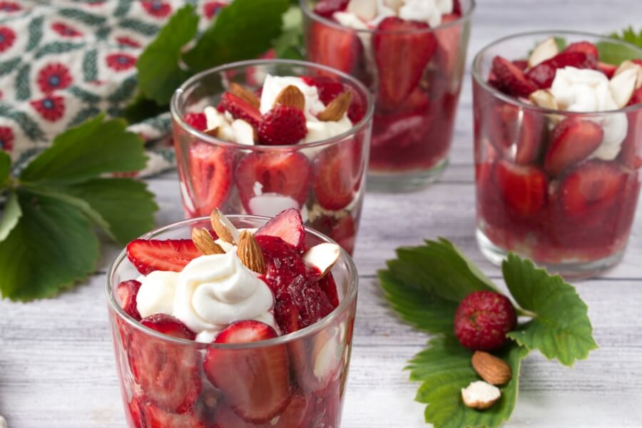 How to serve Healthy Strawberry Parfaits