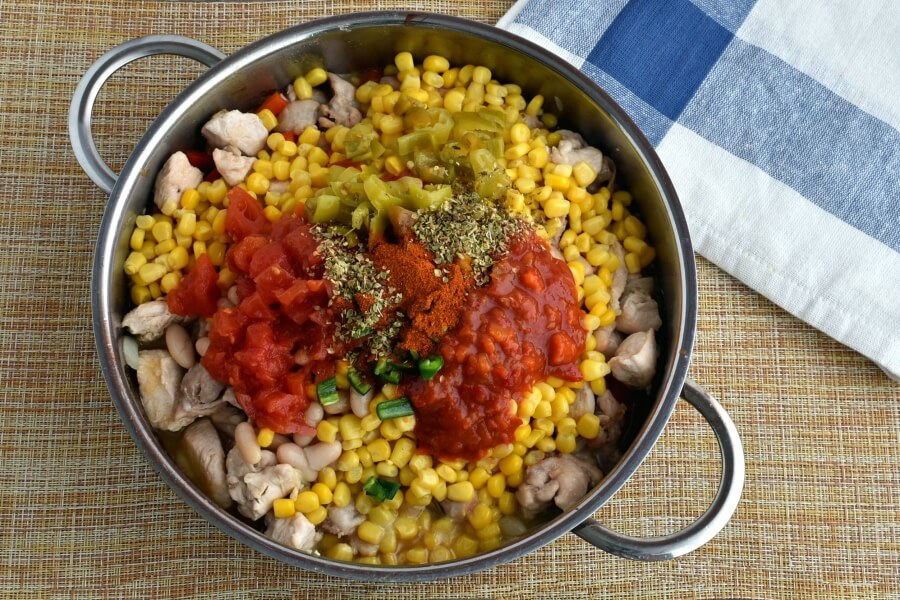 Gluten Free Hearty Chicken Chili with White Beans recipe - step 4