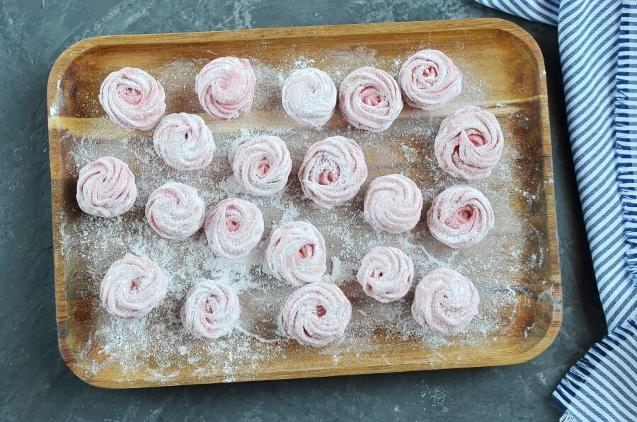 How to serve Homemade Strawberry Marshmallows (Zephyr)
