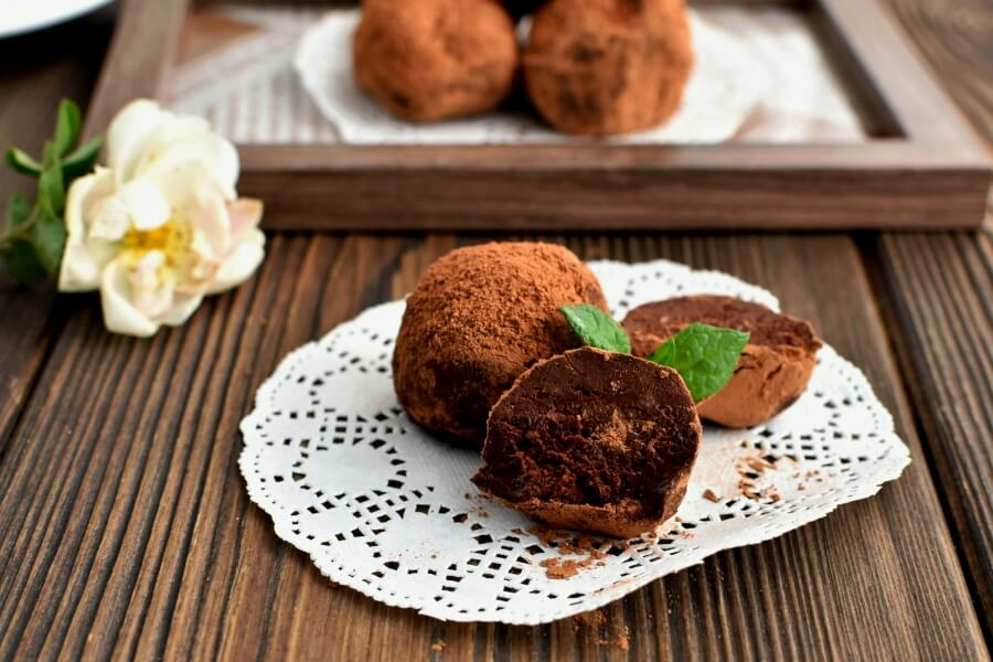 Mint Truffles Recipe-How To Make Mint Truffles-Delicious Mint Truffles