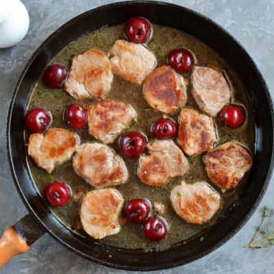 Pork Medallions with Red Wine-Cherry Sauce recipe - step 4