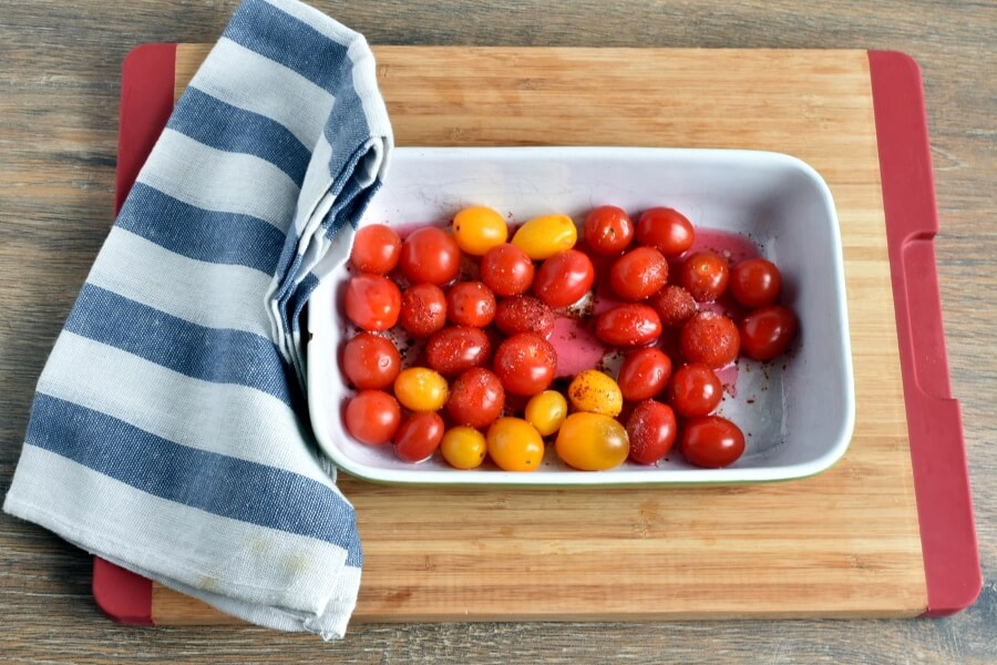 Roasted Cherry Tomato Sauce with Spaghetti recipe - step 3