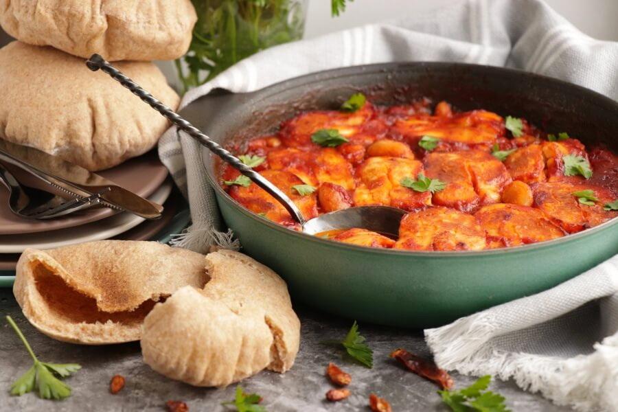 How to serve Smoky Tomato and Halloumi Bake