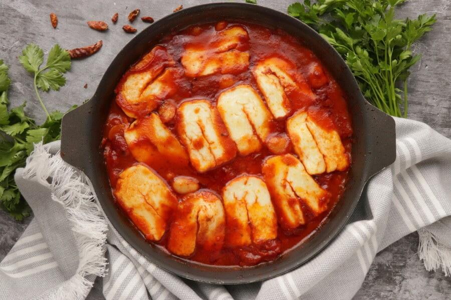 Smoky Tomato and Halloumi Bake recipe - step 7