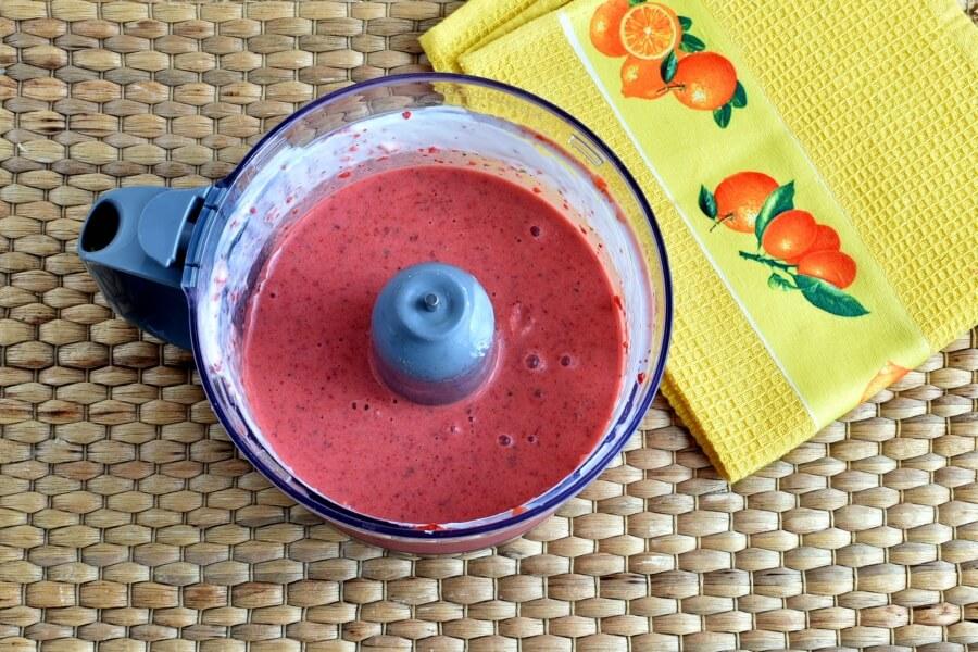 Strawberry Basil Frozen Yoghurt recipe - step 2