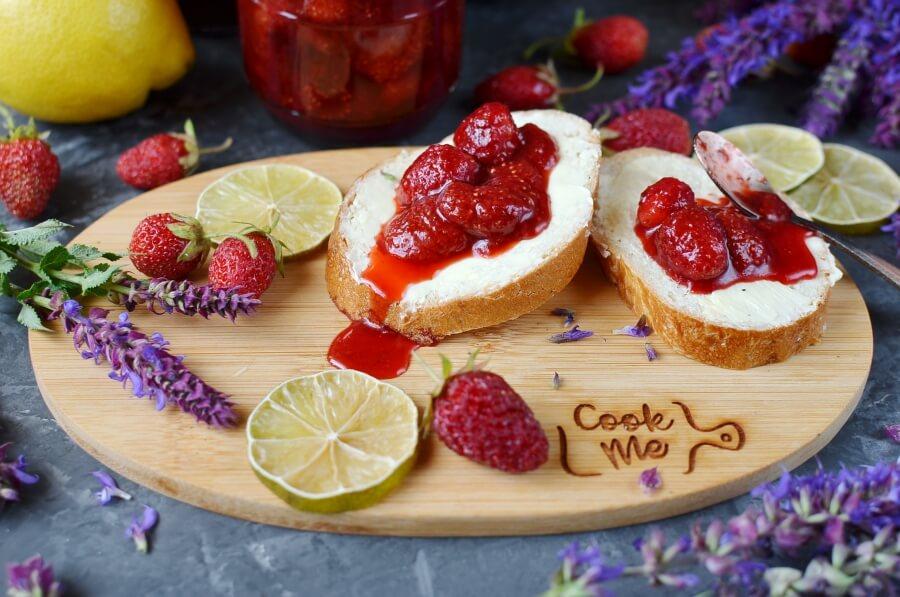 How to serve Strawberry Jam
