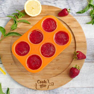 Strawberry Mojito Wine Popsicles recipe - step 5