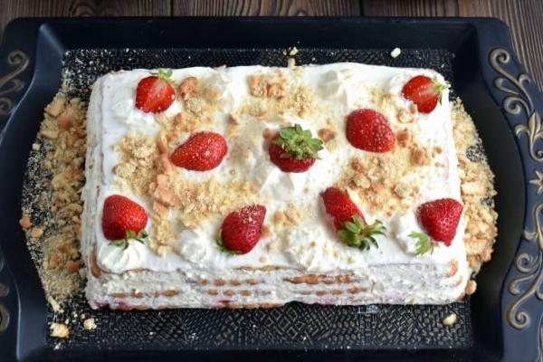 Strawberry Shortcake Slice recipe - step 5