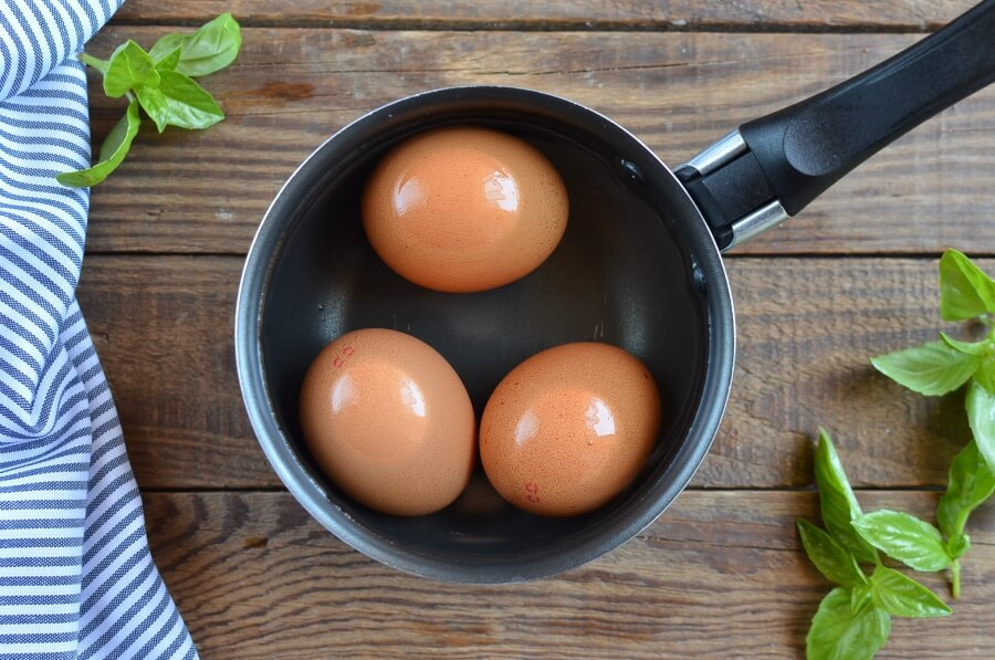 Summer Egg Salad with Basil and Peas recipe - step 2