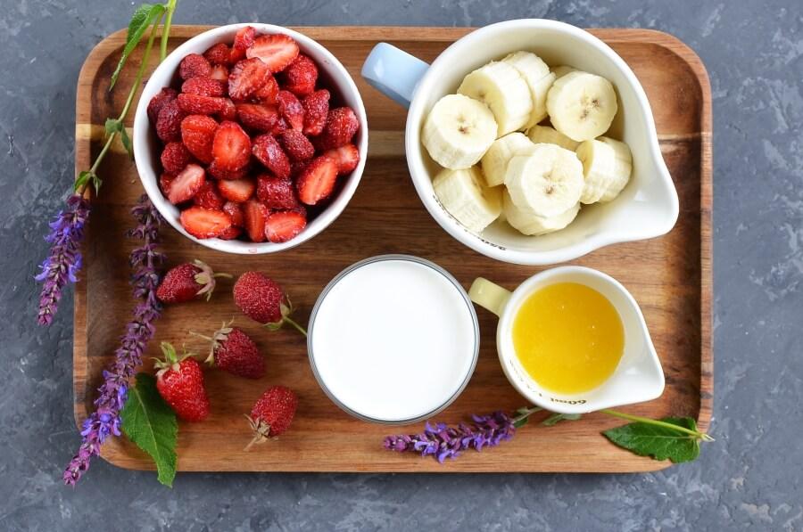 Ingridiens for Vegan Coconut Milk Strawberry-Banana Pops
