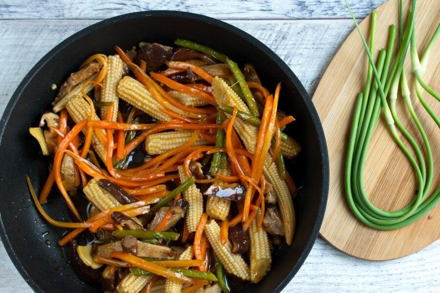 Vegan Stir-Fried Garlic Scape Recipe-Vegetarian Stir-Fried Garlic Scapes -Stir-Fry Garlic Scapes