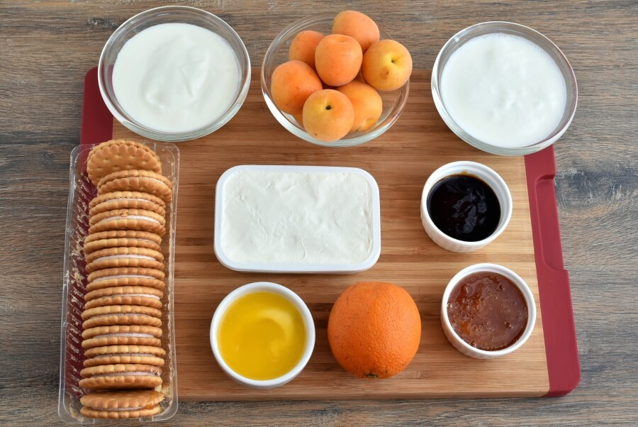 Ingridiens for Yoghurt Cheesecake with Honey Roasted Apricots