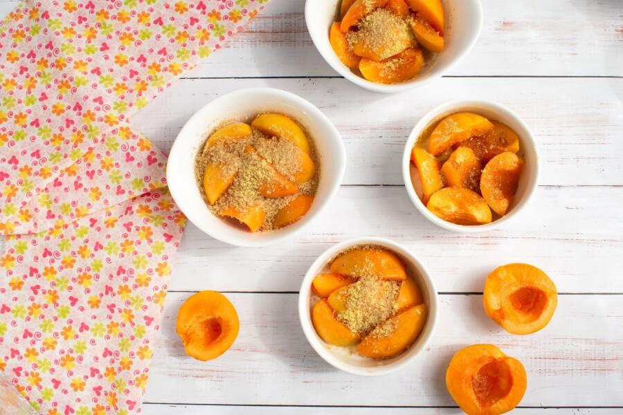 Apricot Crisp recipe - step 2