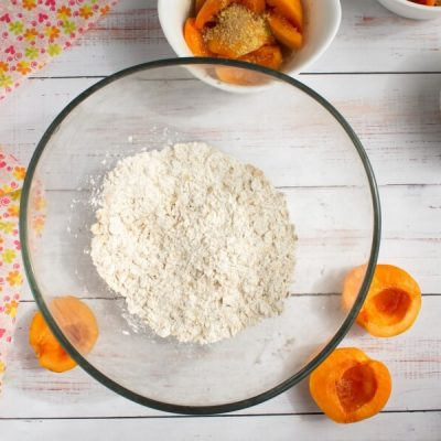 Apricot Crisp recipe - step 3
