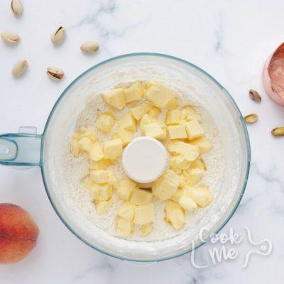 Bourbon-Honey Peach Galette with Pistachios recipe - step 2