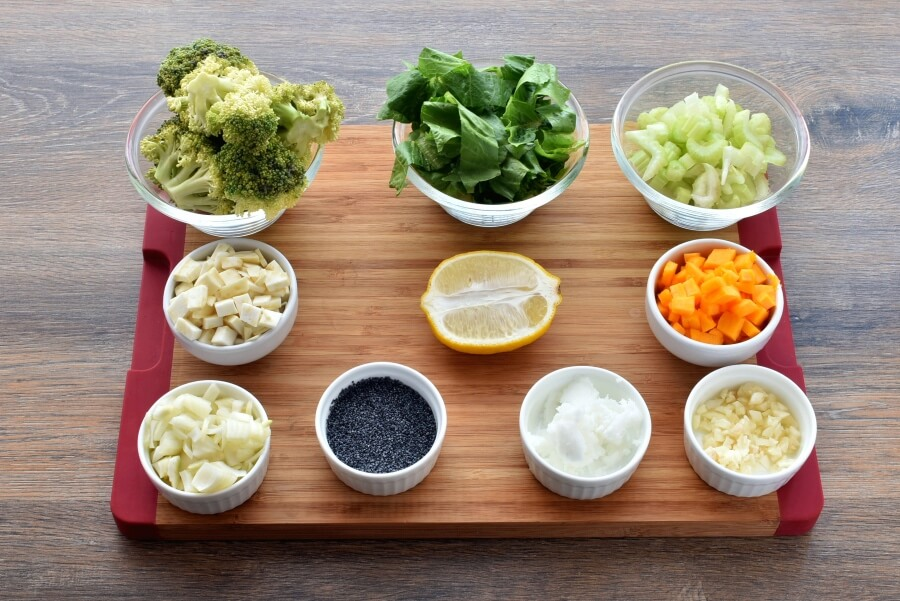 Ingridiens for Broccoli Detox Soup