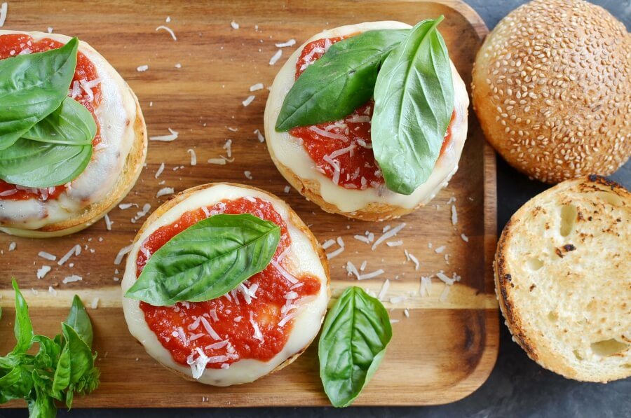 How to serve Chicken Parmesan Burgers