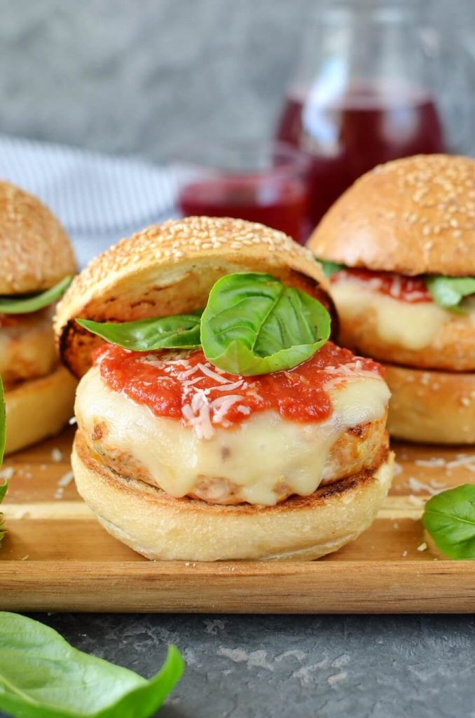 A delicious way to liven up chicken burgers