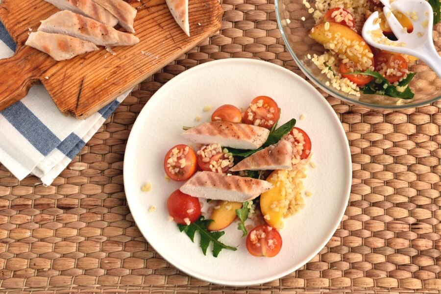How to serve Chicken and Bulgur Salad With Peaches