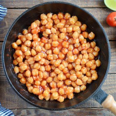 Vegan Barbecue Chickpea Salad recipe - step 1