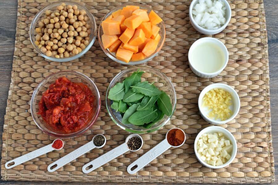 Ingridiens for Vegan Chickpea Sweet Potato Stew
