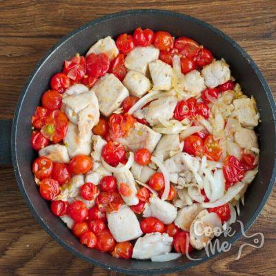 Creamy Chicken Tomato Skillet recipe - step 4