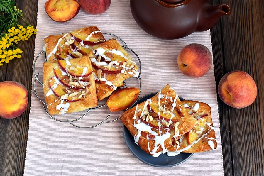 How to serve Easy Peach Tartlets