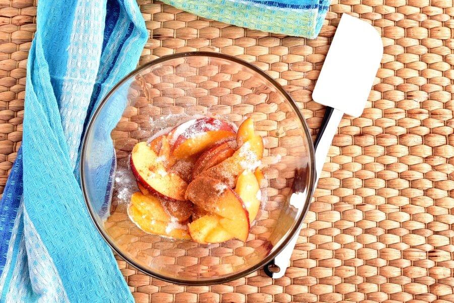 Easy Peach Tartlets recipe - step 3