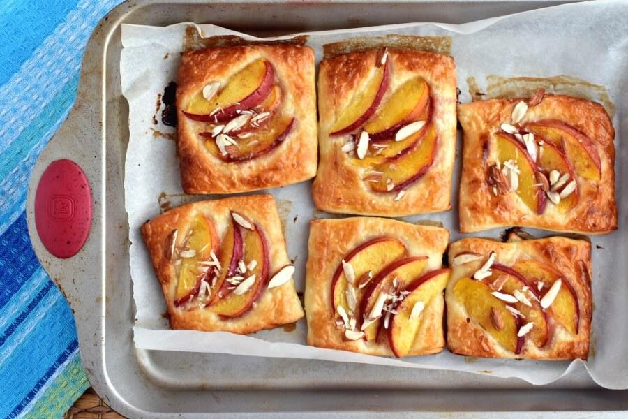 Easy Peach Tartlets recipe - step 5