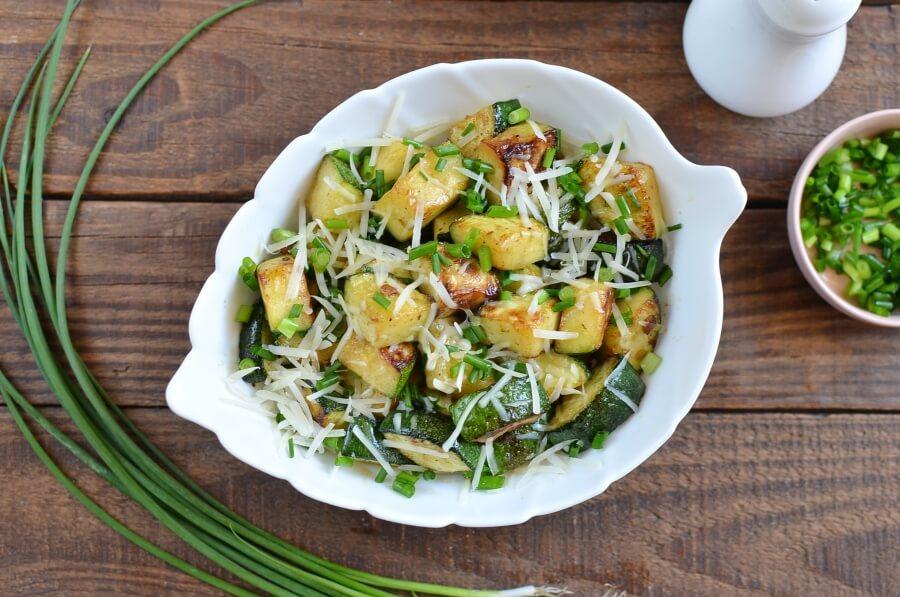 Garlic Butter Sautéed Zucchini recipe - step 3