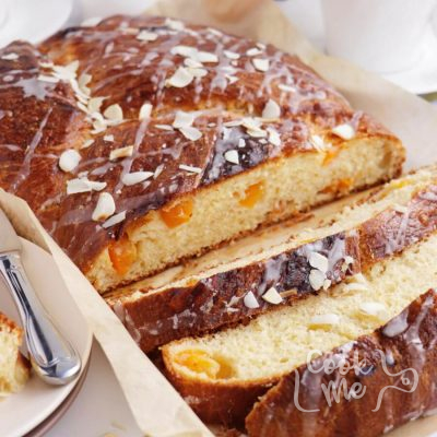 Glazed Apricot Breakfast Bread Recipe-Apricot Breakfast Bread Recipe-How to Make a Glazed Apricot Breakfast Bread