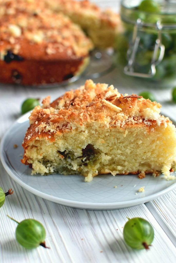 Moist delicious cake with a crunchy topping