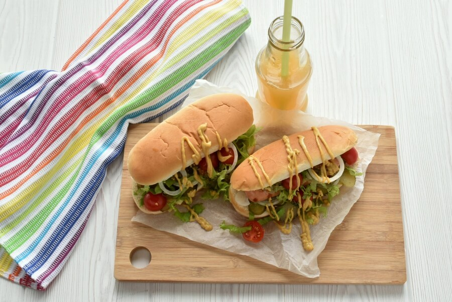 How to serve Grilled Chicago Dog