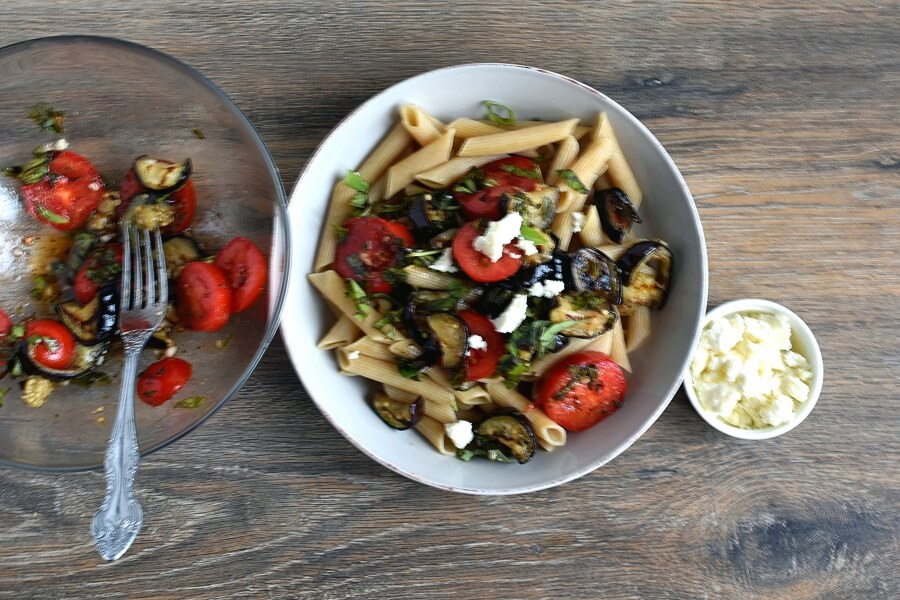 How to serve Grilled Eggplant and Tomato Pasta