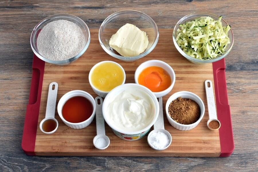 Ingridiens for Healthy Greek Yogurt Zucchini Pancakes