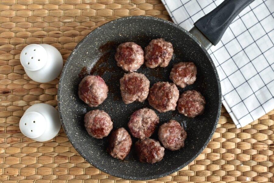 Keto Meatball and Tomato Salad recipe - step 2