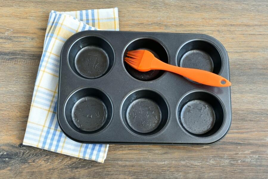 Peach Streusel Muffins recipe - step 1