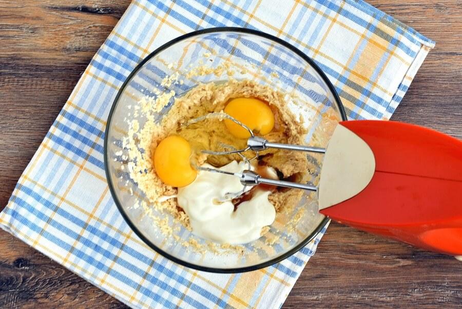 Peach Streusel Muffins recipe - step 4