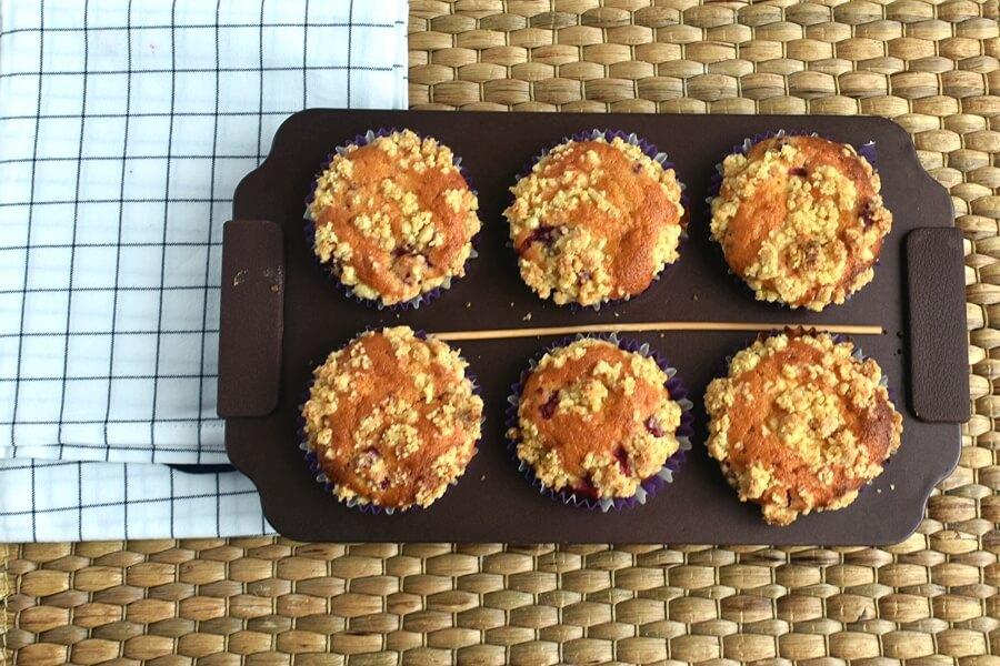 Raspberry Lemon Crumb Muffins recipe - step 9