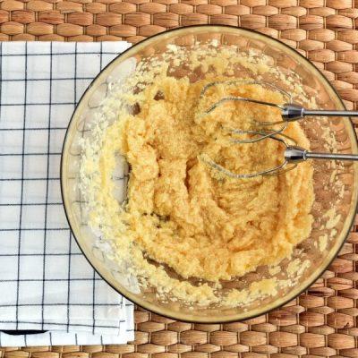 Raspberry Lemon Crumb Muffins recipe - step 2
