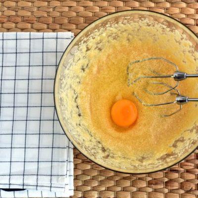Raspberry Lemon Crumb Muffins recipe - step 3