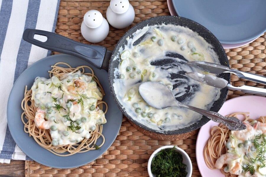 How to serve Shrimp and Leek Spaghetti