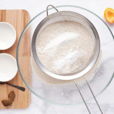 Skinny Apricot Loaf Cake recipe - step 2