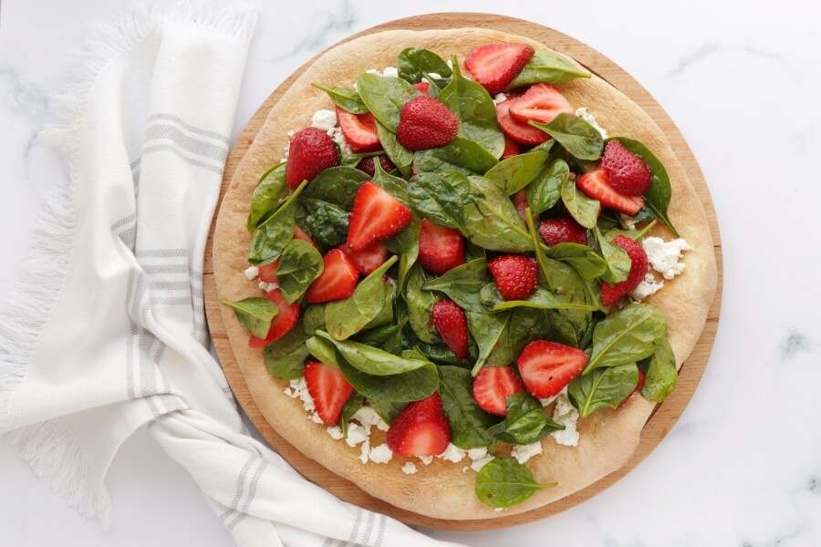 Strawberry, Pistachio and Goat Cheese Pizza recipe - step 6