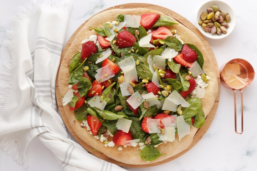 Strawberry, Pistachio and Goat Cheese Pizza recipe - step 7