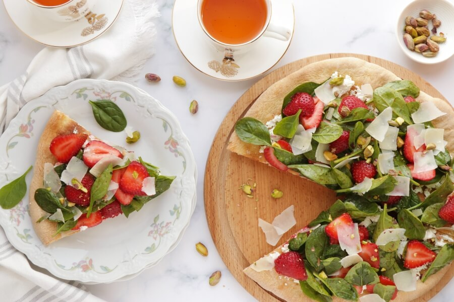 How to serve Strawberry, Pistachio and Goat Cheese Pizza