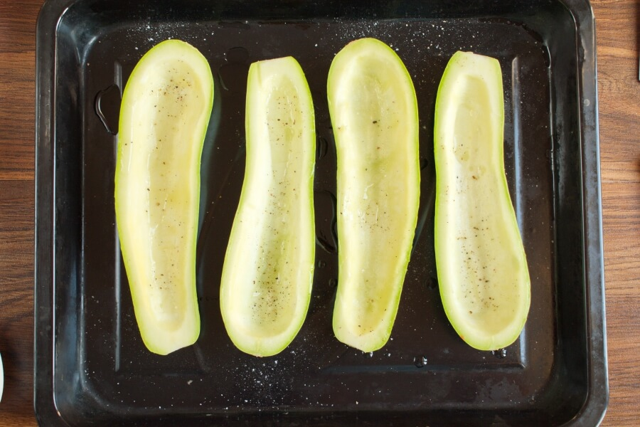 Stuffed Courgettes with Rocket Salad recipe - step 3
