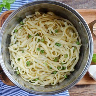 Summer Pea Pasta recipe - step 3