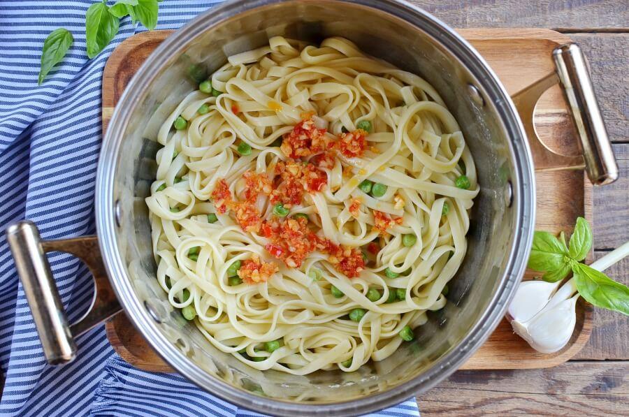 Summer Pea Pasta recipe - step 4