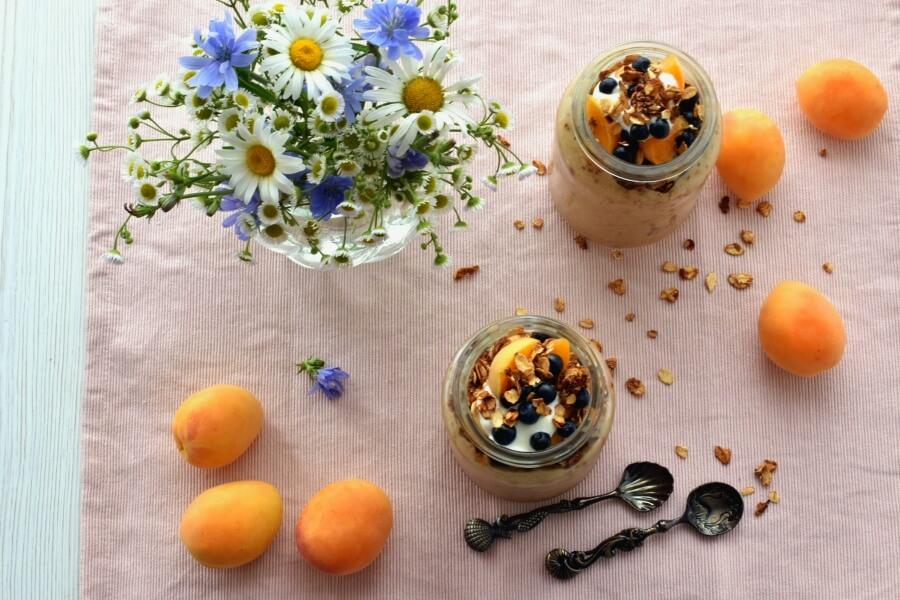 How to serve Vegan Banana Chai Smoothie Parfait